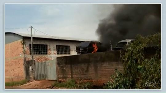 Incêndio destrói 40 carros em pátio da Polícia Civil em Telêmaco Borba