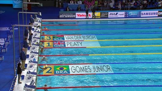 João Gomes bate recorde das Américas e leva a prata nos 50m peito; Felipe é quarto