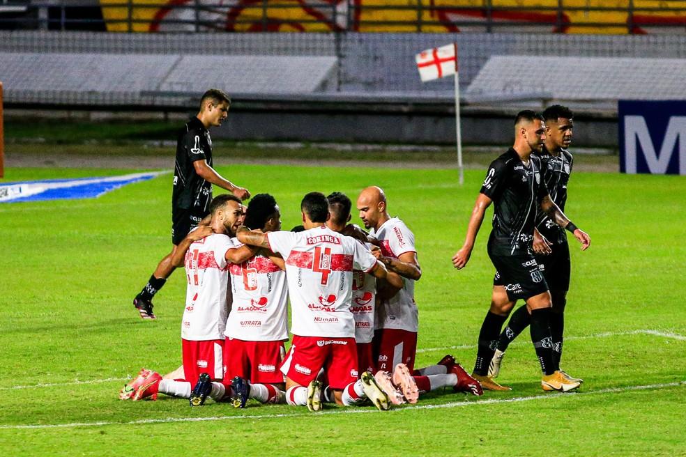 CRB empatou com a Ponte Preta com gol de Marthã — Foto: Ailton Cruz/Gazeta de Alagoas