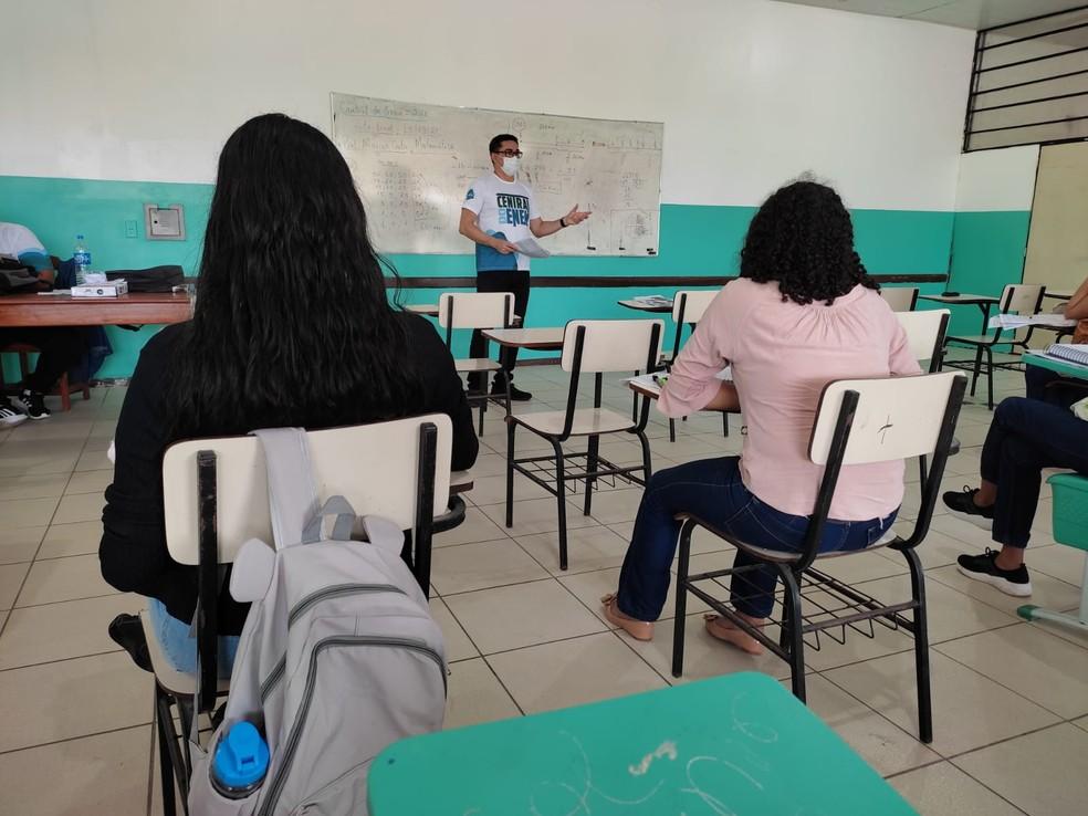 Escolas voltam a receber alunos seguindo protocolos de segurança determinados em decretos — Foto: Seed/Divulgação