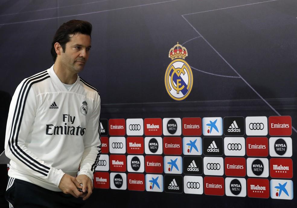 Santiago Solari em coletiva de imprensa do Real Madrid — Foto: EFE