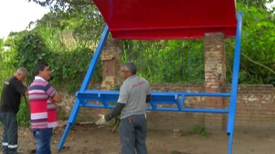 Ações de vandalismo destroem pontos de ônibus em Ferraz, Suzano e Poá