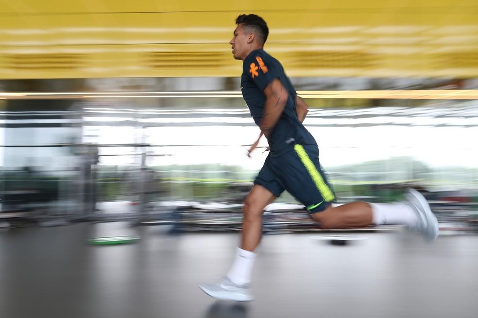 Roberto Firmino em treino físico na academia do CT do Tottenham (Foto: Lucas Figueiredo/CBF)