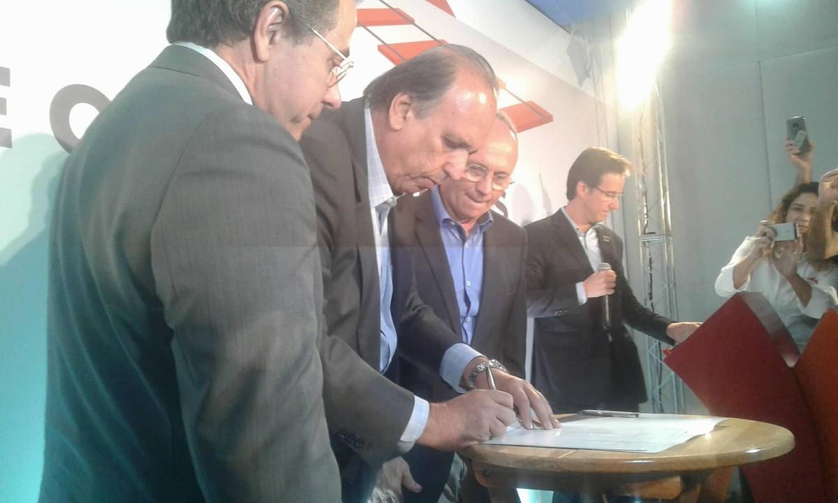 Governadores do RJ e ES se reúnem no Porto do Açu em busca de apoio para implantação de ferrovia