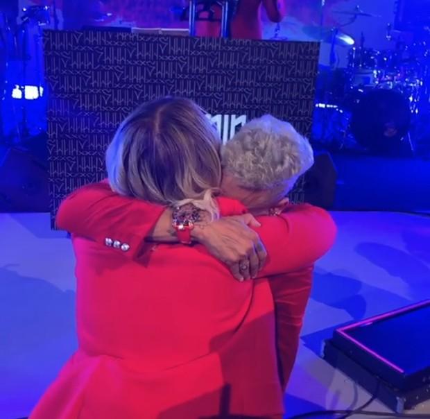 Neymar chora ao receber surpresa de Marilia Mendonça (Foto: Reprodução/Instagram)