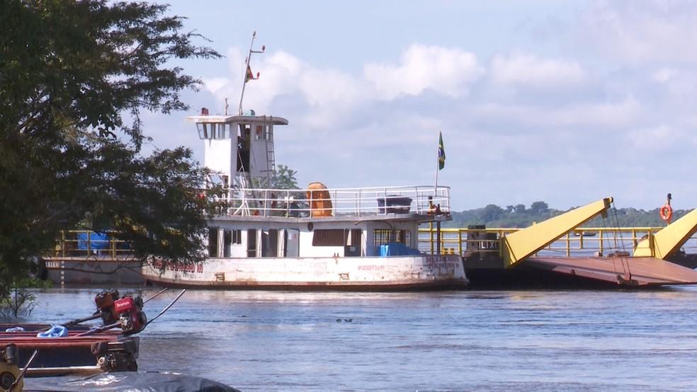 Exportação no Rio Mamoré em Guajará-Mirim, RO (Foto: Rede Amazônica / reprodução )