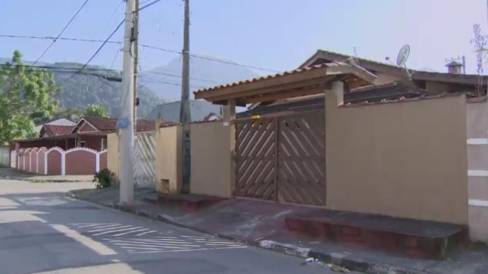Arquiteto aposentado de 64 anos é encontrado morto em casa — Foto: TV Vanguarda/Reprodução