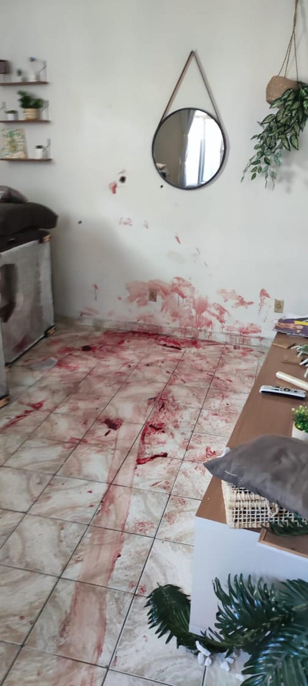 Casa de mulher de 50 anos ficou repleta de sangue após ação policial no Jacarezinho — Foto: Reprodução