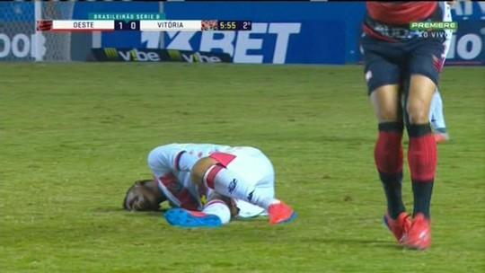 Ruan Levine tem lesão no ligamento e desfalca o Vitória no restante da temporada