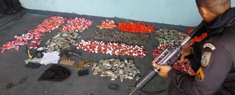 Polícia Militar faz operação contra o tráfico de drogas em Volta Redonda — Foto: Divulgação/PM