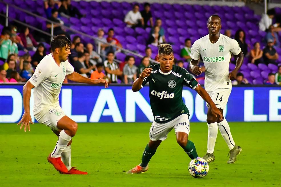Gabriel Veron foi a campo no segundo tempo contra o Atlético Nacional — Foto: GLEDSTON TAVARES/FRAMEPHOTO/ESTADÃO CONTEÚDO
