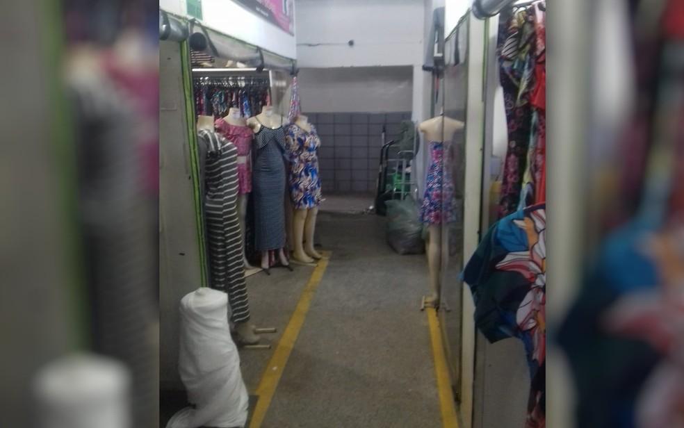 Loja na Rua 44 era um dos locais onde as notas eram emitidas (Foto: Polícia Civil/Divulgação)