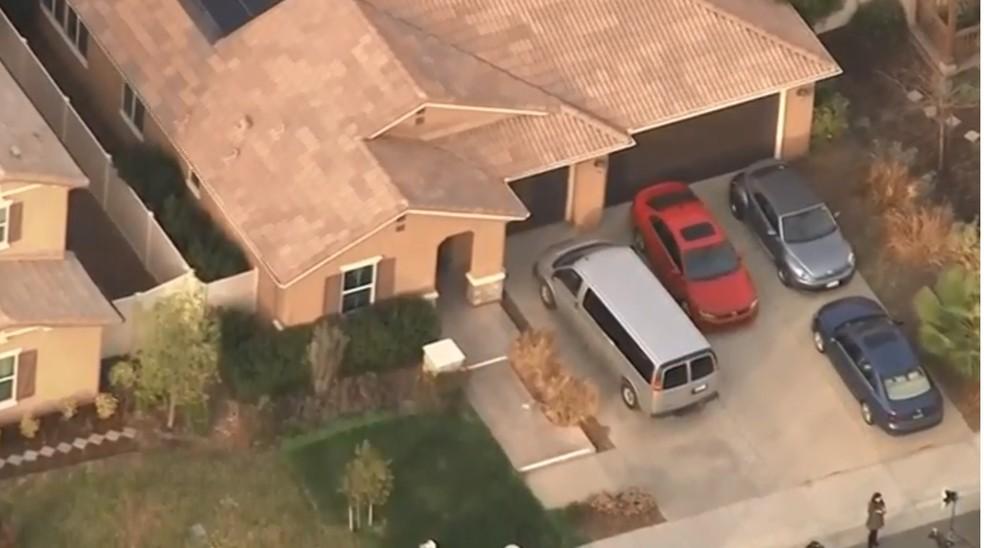 Vista aérea da casa da família Turpin, onde 13 eram mantidos em cativeiro (Foto: Reprodução/Reuters)