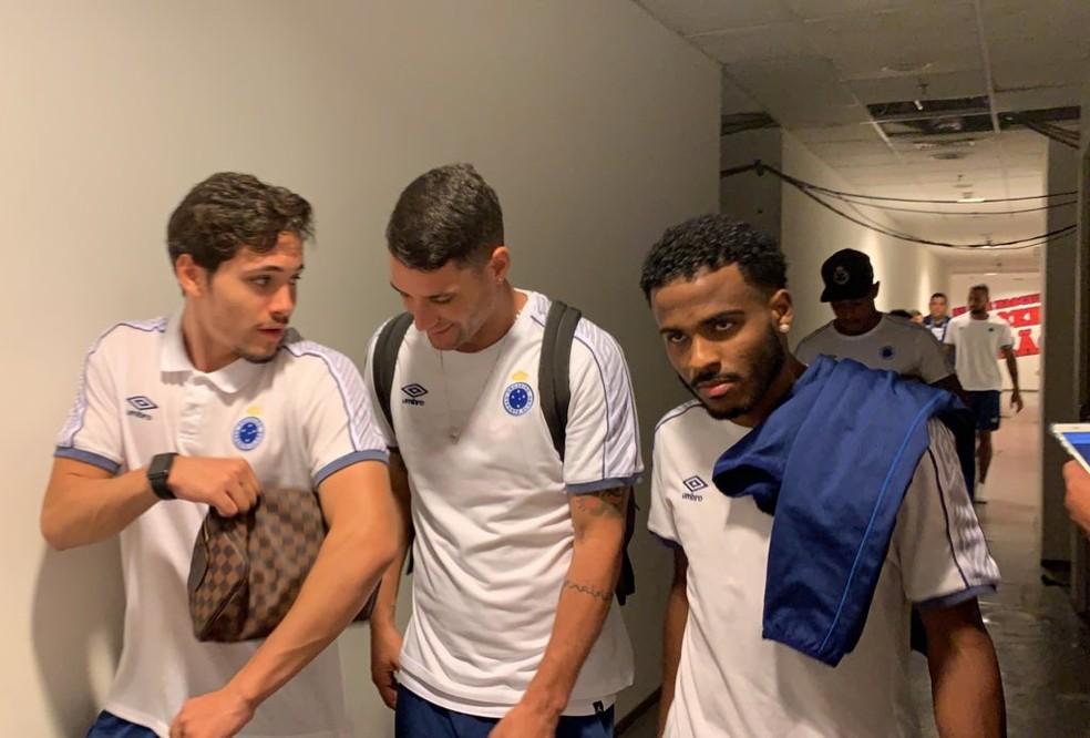 Cruzeiro no Castelão: Thiago Neves ficou no banco de reservas — Foto: Raisa Martins