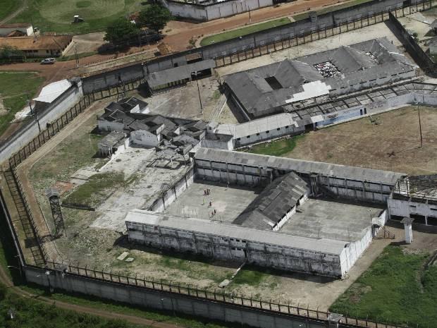 Grupo armado troca tiros com policiais em tentativa de resgate no Complexo de Americano, na Grande Belém