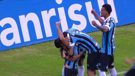 Vizeu iguala gols de André em metade do tempo e se candidata a sequência no Grêmio