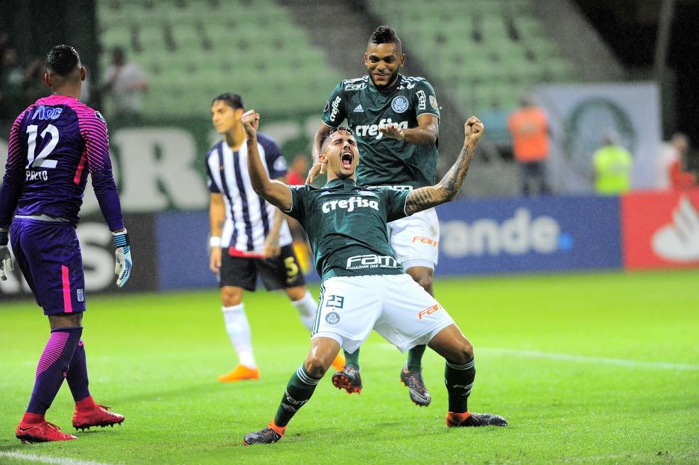 Thiago Martins e Borja fizeram os gols da vitória sobre o Alianza Lima (Foto: Marcos Ribolli)
