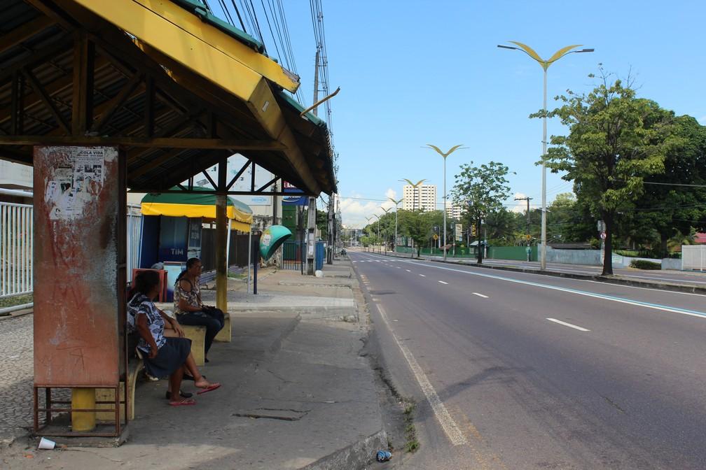 Parada de ônibus na Avenida Constantino Nery, durante Brasil x México (Foto: Patrick Marques/G1 AM)