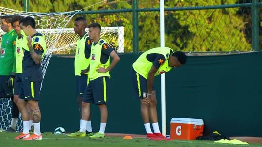 Militão deixa treino da Seleção com dores no quadril e será reavaliado no domingo