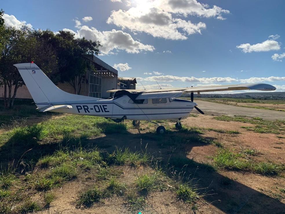 Avião usado por quadrilha de mulher apontada como maior traficante da BA será leiloado pela polícia — Foto: Divulgação/SSP-BA