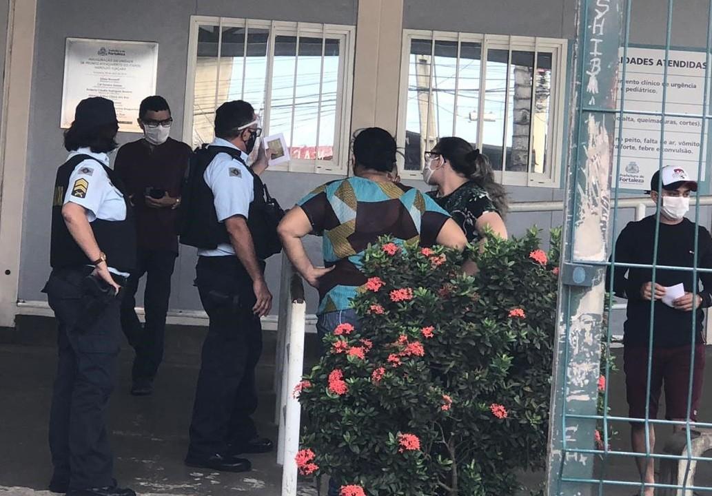 Família tenta encontrar corpo de idosa trocado após morte em UPA de Fortaleza