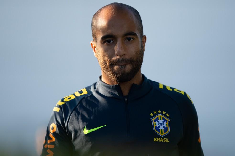 Convocado ontem, Lucas Moura fez primeiro treino com a Seleção de Tite — Foto: Pedro Martins/MoWa Press