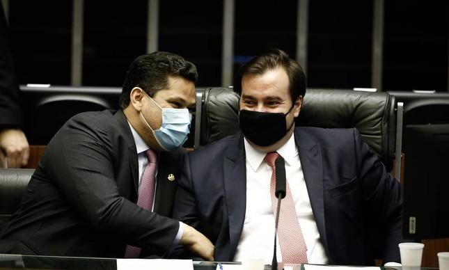 Os presidentes do Senado, Davi Alcolumbre, e da Câmara, Rodrigo Maia