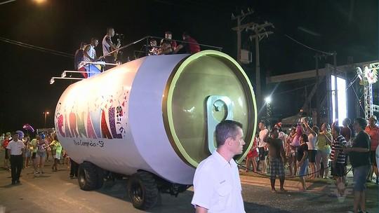 Blocos de rua animam o Carnaval em Ilha Comprida, no litoral de SP