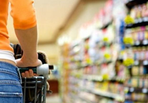Confiança do consumidor comércio supermercado compras despesas consumo classe média (Foto: Shutterstock)