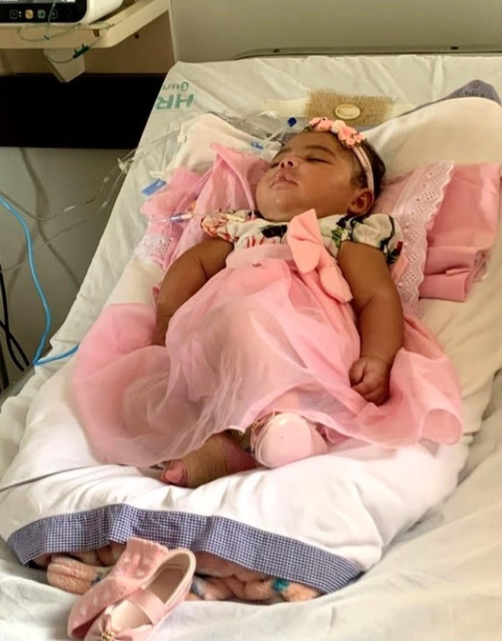 Valentina, de 7 meses, tem cerca de 40 crises por dia— Foto: Reprodução/TV Anhanguera