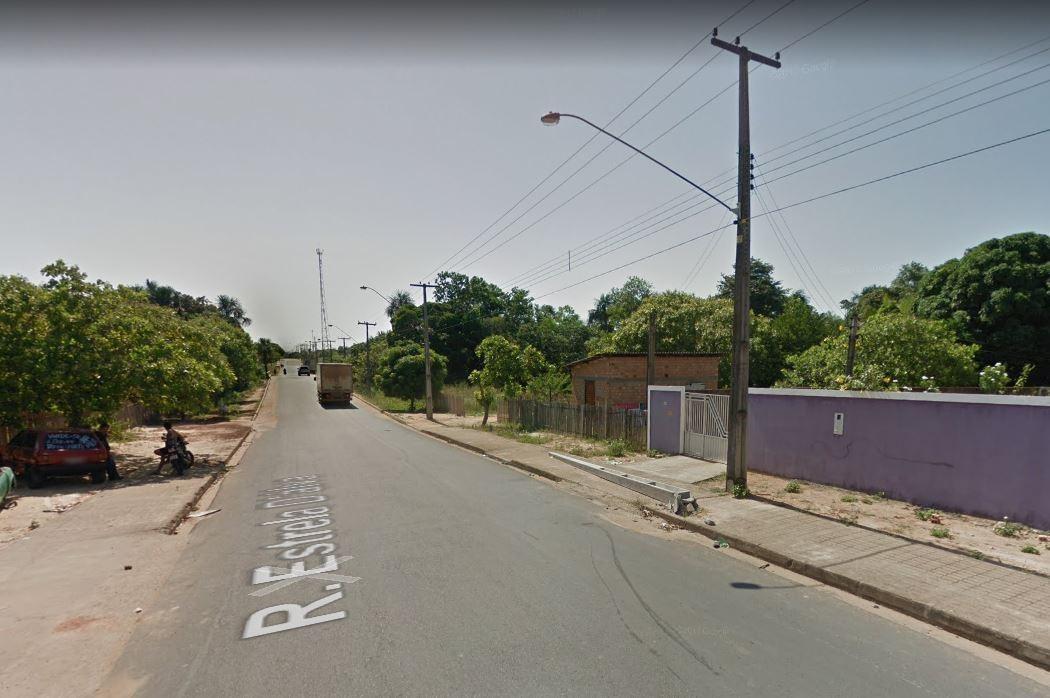 Mulher morre ao bater de moto contra poste na zona Oeste de Boa Vista