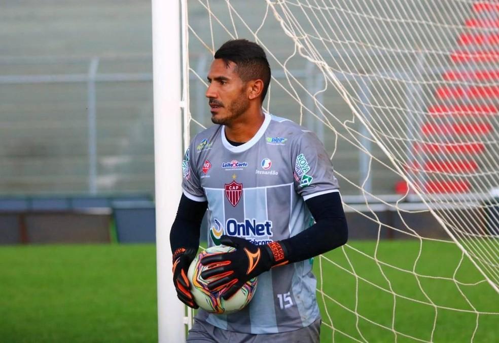 Thiago Passos cumpre suspensão no jogo contra o América-MG — Foto: Alair Constantino/Dono do Apito