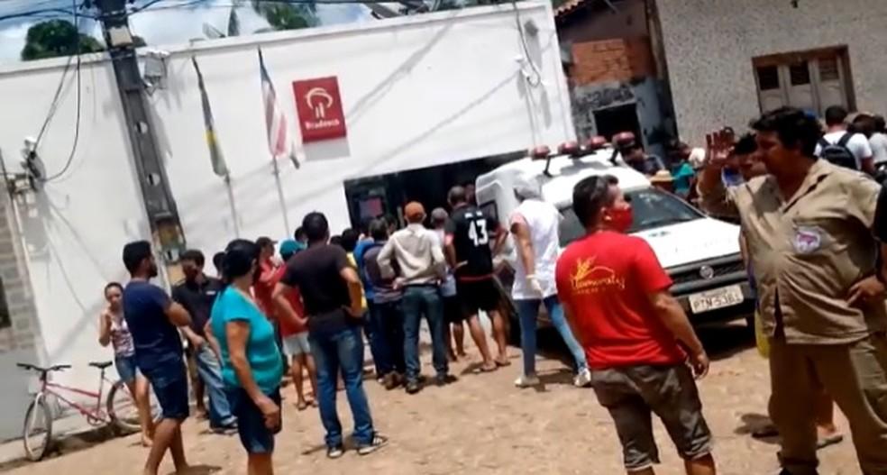 Tentativa de assalto é registrada na agência bancária do Bradesco em Vitória do Mearim (MA) — Foto: Divulgação/Redes sociais