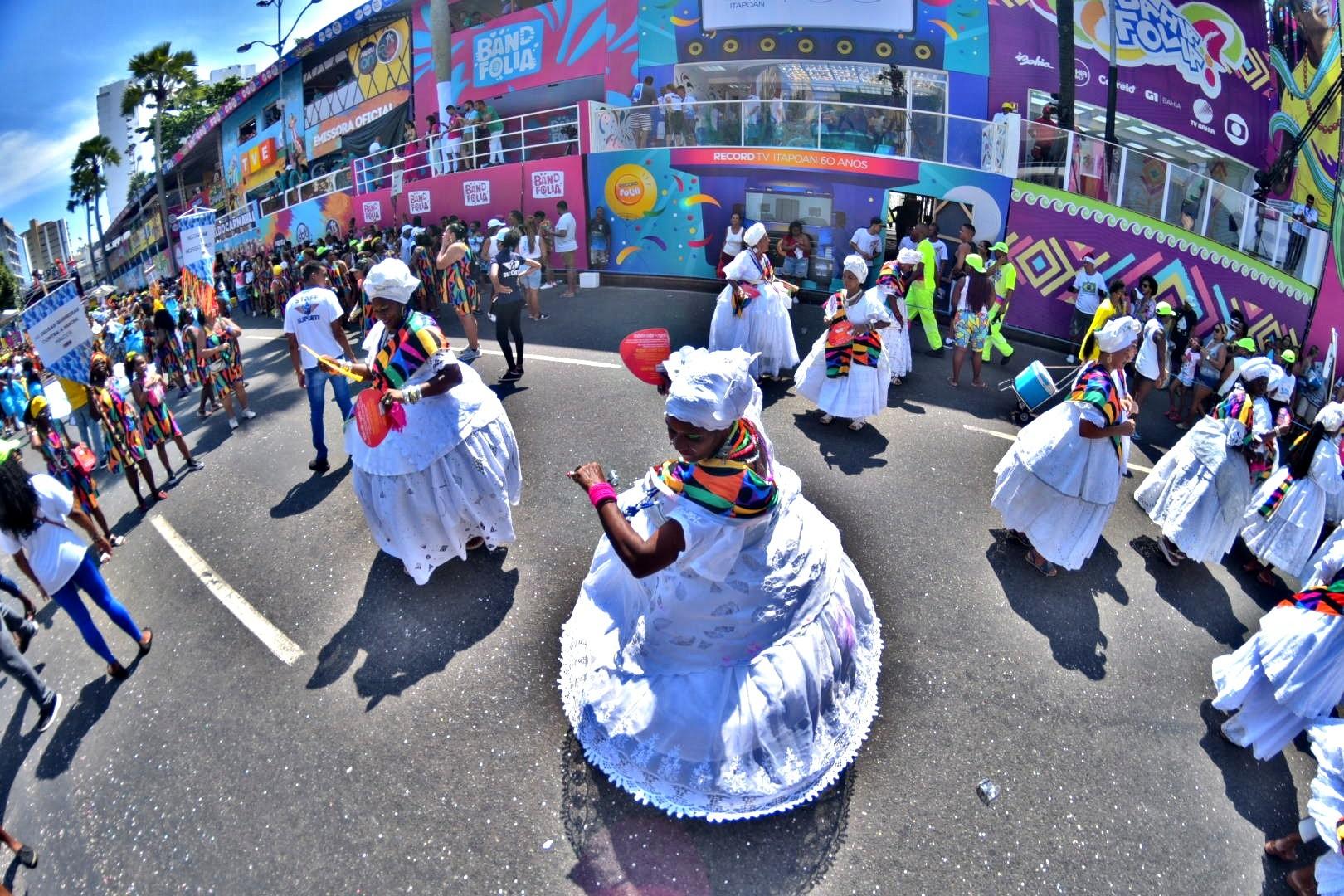 FOTOS: Veja imagens do 3º dia de carnaval em Salvador