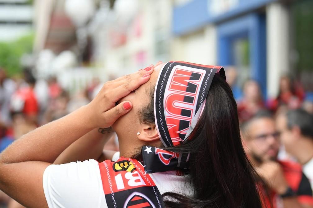 Gabigol chuta para fora e perde grande chance para o Flamengo — Foto: Alexandre Durão / G1