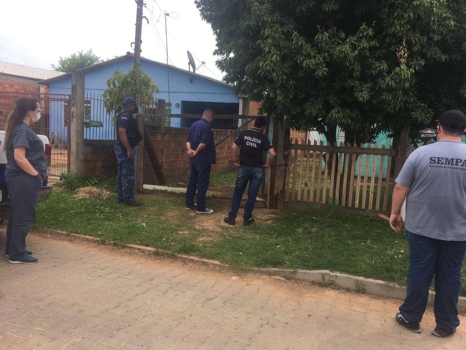 Mulher é detida por suspeita de enforcar cachorro com fio em São Leopoldo, diz Guarda Municipal