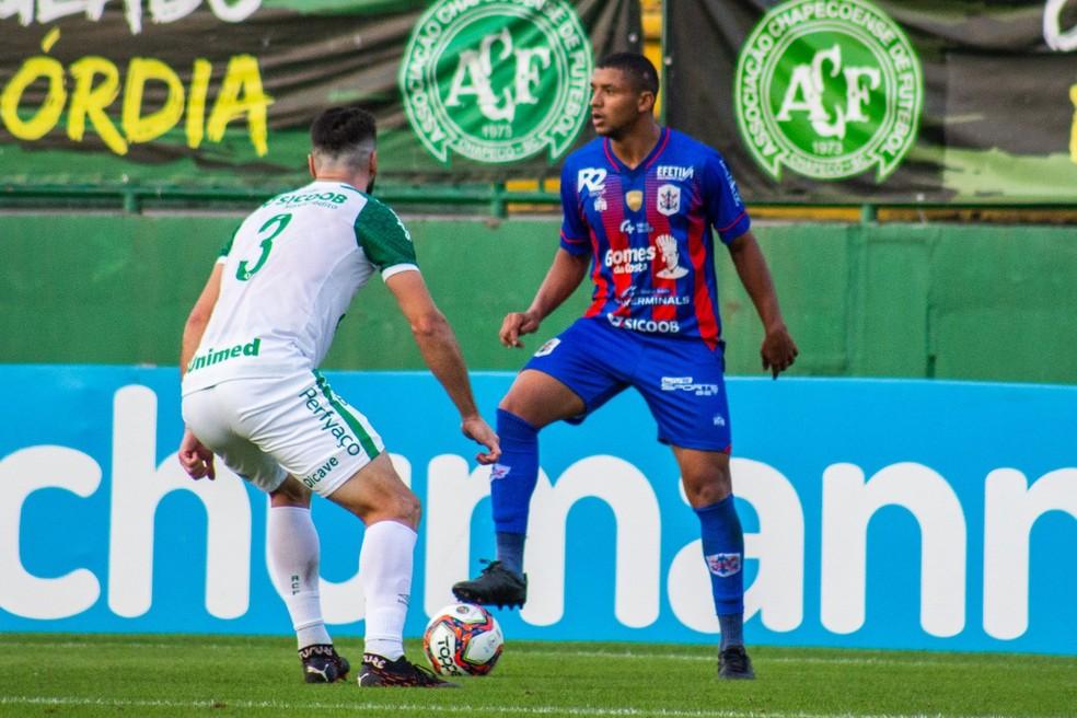 Zé Vitor foi emprestado pelo Marcílio Dias — Foto: Bruno Golembiewski/CNMD