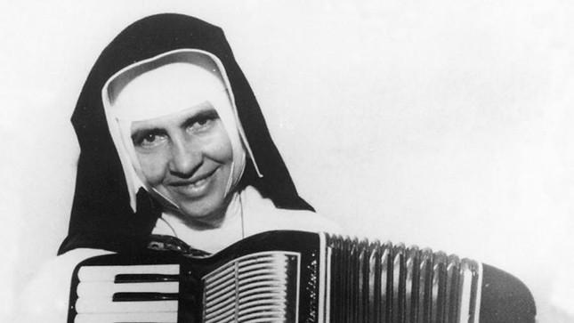 A canonização de Irmã Dulce, primeira santa brasileira, será ignorada por Bolsonaro em Roma e em Salvador. Pressão evangélica?