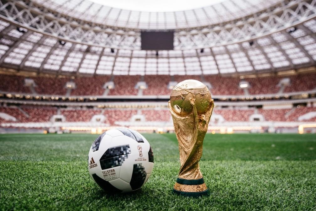 -  Bola Telstar, feita para a Copa do Mundo de 2018, que será disputada na Rússia.  Foto: Divulgação/Adidas