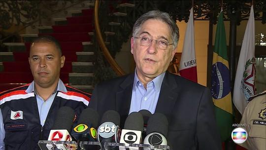 PF apreende R$ 70 mil em moedas estrangeiras na casa do ex-governador Fernando Pimentel