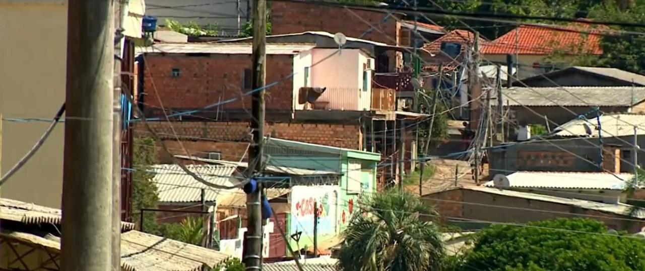 Ministro diz que prepara projeto para favelas e afirma que Covid-19 ainda não entrou nos