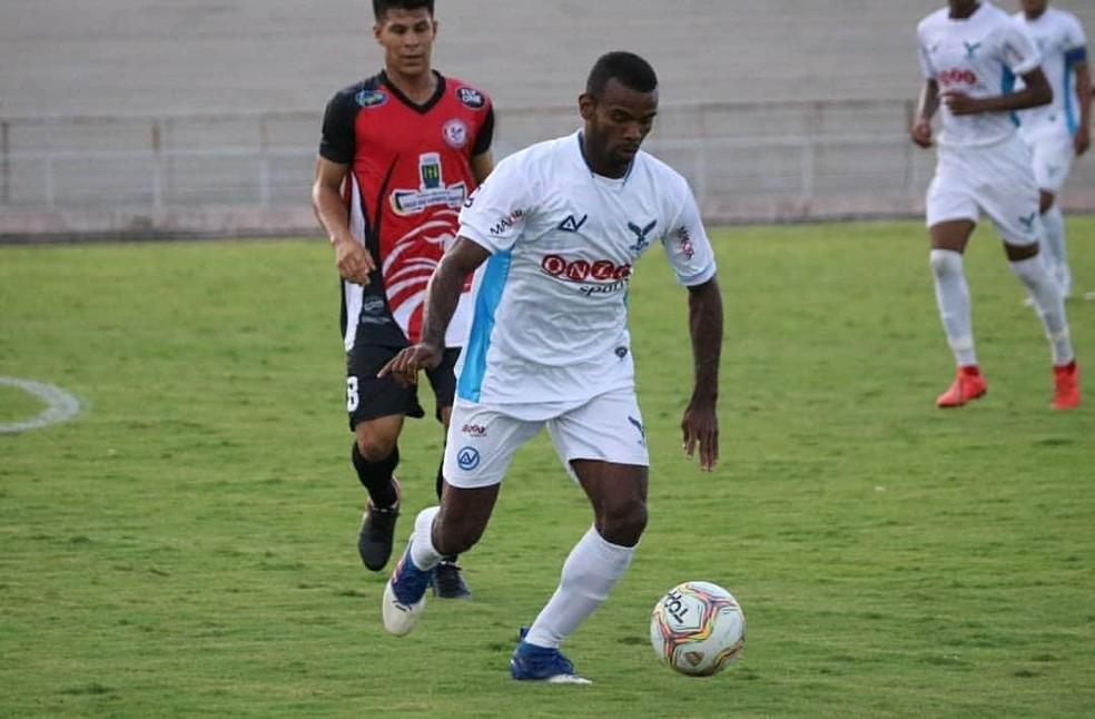 Perilima e São Paulo Crystal têm mais dois jogos pela frente no Campeonato Paraibano e poderiam adiantar essas rodadas para liberar seus elencos — Foto: Ramon Smith / Perilima