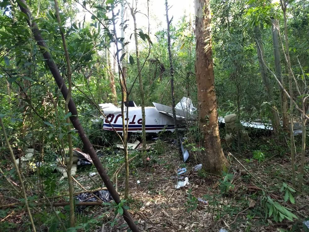 Quatro pessoas estavam no avião; todas morreram — Foto: Cícero Bittencourt/ RPC Cascavel