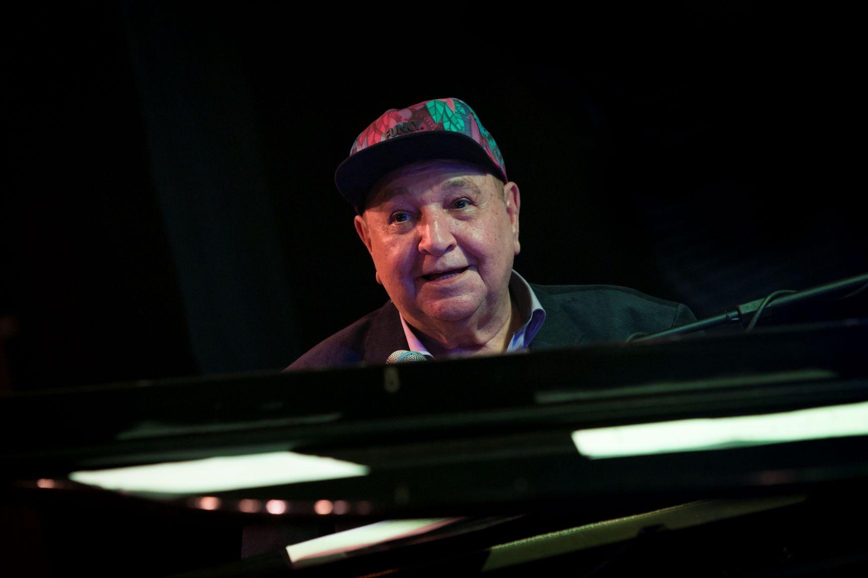 João Donato tem álbum elétrico editado em LP duplo com outras cores na capa