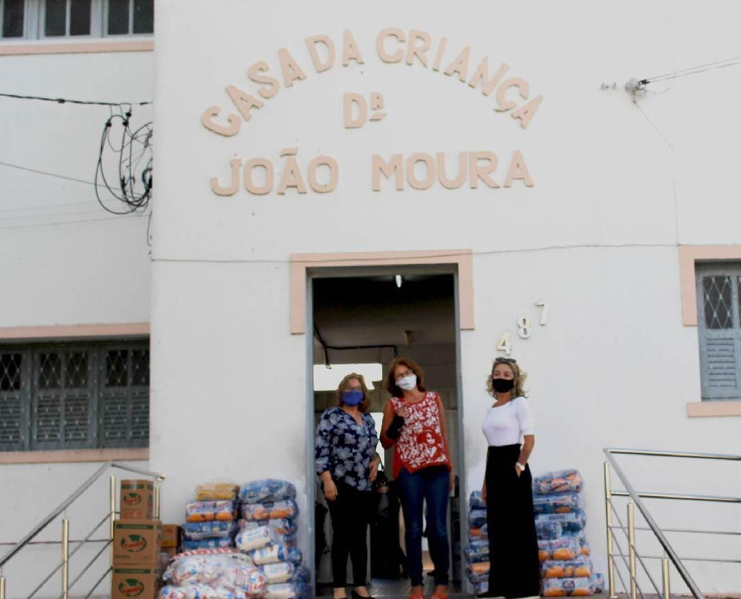 Alimentos arrecadados durante campanha 'Liquida Campina' são entregues