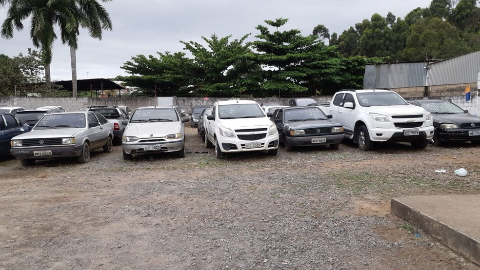 Veículos que estão retidos no pátio da PRF no ES — Foto: Divugação/PRF-ES
