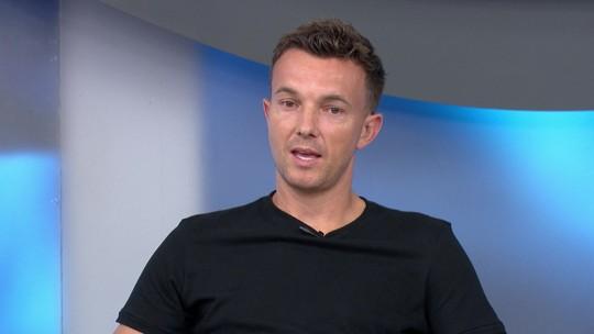 """Dagoberto relembra currículo vitorioso e critica pressão no futebol: """"Se perde, parece que é bandido"""""""