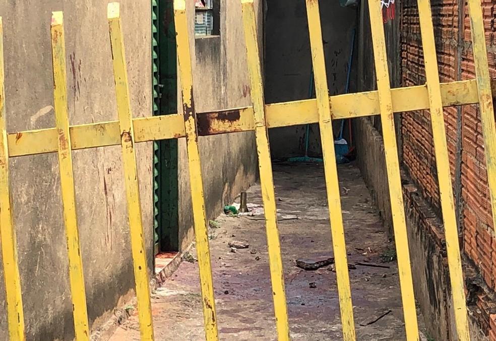 Duplo homicídio ocorreu na Vila Cavaru, em Osvaldo Cruz — Foto: Kawanny Barros/TV Fronteira