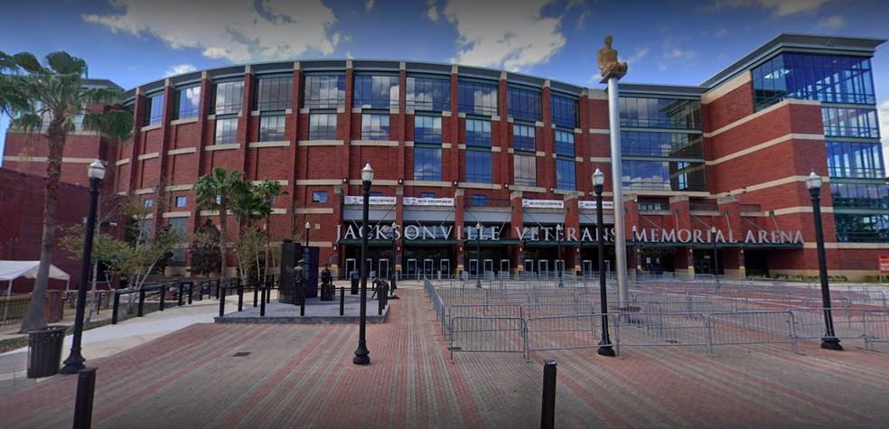 A VyStar Veterans Memorial Arena de Jacksonville, que vai sediar três eventos do UFC em maio — Foto: Reprodução/Google Street View