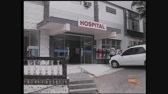 Em reunião, médicos do Hospital de Laguna decidem manter paralisação